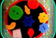 I love bottoms... I mean buttons  :0) / Y qué bonitos son desde los más antiguos nacarados hasta los más modernos de madera, metal, de resina ... y qué de cosas tan preciosas se pueden hacer con ellos. Pues aquí encontráis un amplio muestrario  de formas, colores y tamaños de preciosos botones // And how cute are they, from ancient to modern pearly wood, metal, resin ... and what of precious things you can do with them.  Well here you will find a large display of shapes, colors and sizes of beautiful buttons - not bottoms    ;0)