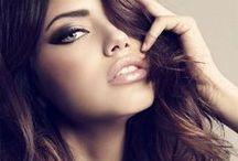 #Maquillage pour sortir / Retrouvez des infographies et exemples de maquillage à mettre avec une belle robe longue par exemple : pour l'inspiration ou pour apprendre et l'exercer sur vous-même, sur vos amies ou clientes.