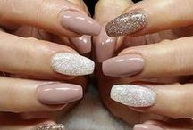 Nude and Neutral Nails / Nude and neutral manicures and pedicures to go with any outfit. Easy to wear, everyday nail inspiration.