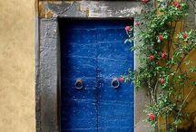 doors, keyholes&knob / by Panta Rei