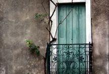 {Deure} / Doors and windows