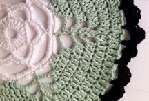 CROCHET / A board with lots of cool crochet work. Inspiration and tutorials