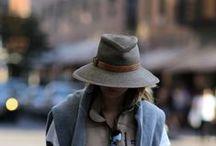 SOMBREROS. By Ana María. / Hats. Chapeaux.
