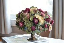 Dried Flower Arrangements / Ideas for dried flower arrangements.