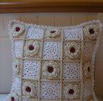 háčkované polštáře, crocheted pillows