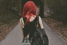 need / Outfits en su mayoría estilo punk.