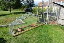 Chicken Tractor - Mobile Chicken Coop Building Idea / How to build a chicken tractor or mobile chicken coop? DIY Building Pictures Steps: http://www.usa-gardening.com/chicken-tractor/chicken-tractor.html  #poultry #raisingchickens #farming #homesteading #design #idea