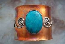 Copper Jewelry - Fall 2014 / Copper has been showing up everywhere in jewelry designs, from more sophisticated fine jewelry to DIY projects. While shiny copper should be the main component in your design, consider pairing it with gemstones, leather, or other warm-hued materials. / by Stringing Guidelines