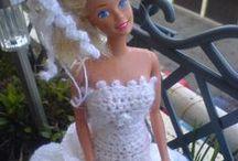 Crochet-Häkel  Barbie Hochzeitskleid - Weddingdress / Habe für meine Nichte ein Barbie-Hochzeitskleid gehäkelt mit Glitzerwolle ganz in weis mit viel Rüschen, Blümchen, und Perlen und einer Stola die hat sich sehr gefreut.....
