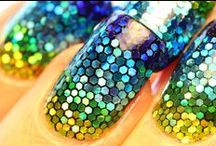 Nails, Claws, Laquer and Glitter <3 / Nail art abounds! / by ✯ Lizzzy Leggs ✯