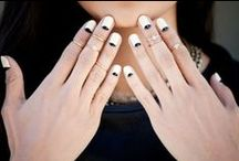 Unghie Primavera 2015 / Scopriamo insieme tendenze e colori per la Primavera 2015: colori pastello, neri e grigi, negative space nail art e reverse french manicure