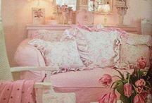 Shabby Chic in all colors / Pretty things