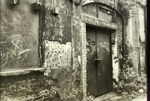 charming decay