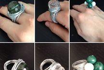 Bijoux handmade / Realizzo bijoux su richiesta ,personalizzati  Realizzati totalmente a mano  Se sei interessata contattami  Fb: Melissa colletta o l'Amante dei Bijoux