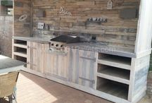 Pallet & Refurbished Wood Ideas / DIY pallet ideas for everything imaginable ... furniture, shelving, laundry storage, benches, headboards and even walls!