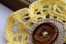 Szydełokowe drobiazgi / kwiatuszki ,kółeczka ,podkładki