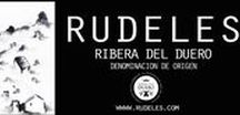 Rudeles D.O.Ribera de Duero y Lope Vinos&Gourmet Madrid /  Rudeles es un proyecto familiar creado con la idea de continuar la labor de nuestros antepasados que, generación tras generación, han ido transmitiendo la pasión por la viña, su fruto, así como una cultura del vino ya casi olvidada.