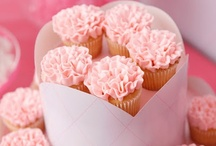 Food - Cupcakes / Cupcakes are little bites of heaven! These delicious morsels are on our must bake list!