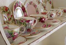 Vintage Tea Set / Teapots
