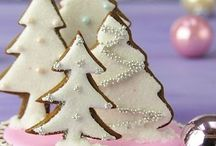 Christmas Cakes Cookies and Cupcakes. / Christmas Cakes
