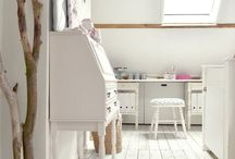 Room for inspiration & creation, craftroom / Het is er nog niet maar er wordt aan gewerkt. Ruimte voor creativiteit....