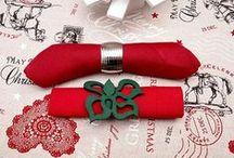 Dekoracje na Boże Narodzenie / Ciekawe i niepowtarzalne dekoracje do domu na czas przygotowań do Świąt Bożego Narodzenia. Klasyczne obrusy na wigilijne i świąteczne stoły, eleganckie serwetki.
