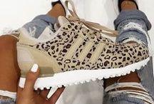 kicks «