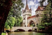 When I write a period piece everyone will live in a castle. / Wouldn't it be amazing to have lived in a castle? Travel back in time and see how difficult or luxurious it really was...