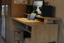 Standing desk / Bureau debout