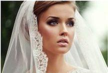 Wedding Headpieces & Veil Alternatives / Wedding headpiece fashion,style, ideas and inspiration and veil alternatives from www.weddedwonderland.com.