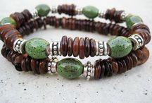 Smycken, pärlor och stenar