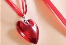 Accessories > Jewelry