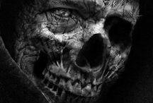 Death, Shadows, Emptiness / О, постройте мне дом, чтоб похоже на гроб Чтобы не было окон и каких-то дверей Чтобы был только страшный сырой потолок Чтобы был грязный пол, на котором лежать...
