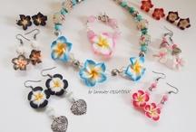Collection Hibiscus Tiaré , Bijoux et accessoire, 2013  / La nouvelle collection de bijoux et accessoire de mode sur le thème des fleurs Hibiscus ou tiaré  visibles également sur mon site : http://bijoudecodulacaudry.wordpress.com/