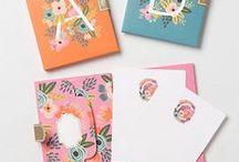 Stationery / Notebooks, envelopes, pens, stickers, sticky notes, calendar, stationery set, and gifts.