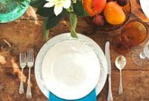 T A B L E  S E T T I N G S / table settings, tablescapes, tableware, glassware, dinner plates, flatware, event design and styling