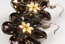 PRECIOSA Ripple™ / PRECIOSA ORNELA presents a new pressed bead known as PRECIOSA Ripple™ under the PRECIOSA Traditional Czech Beads brand.