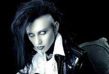 Goths [generic] / Romantic goth Victorian goth 90's goth