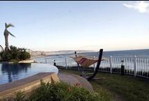 NUESTROS ALOJAMIENTOS / Disponemos de los mejores alojamientos en frente del mar y con mejor relación CALIDAD-PRECIO.