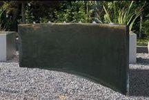 Waterornamenten / Waterornamenten creëren een mooie extra sfeer in uw tuin. Een waterval of waterornament kan in iedere tuin geplaatst worden, ook in kleinere tuinen is dit geen probleem, zo creëert u een sfeervol stukje water in uw tuin. Wij bieden u een ruim en divers assortiment, er is voor ieder wat wils. Assortiment Oprey-Beisterveld