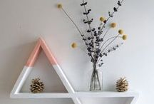 Interiors // Shelf decor / Ways to decorate shelves to look pretty