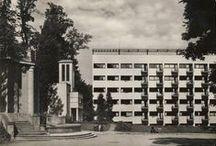 Trenčianske Teplice / Staré schátralé budovy v Trenčianskych Tepliciach