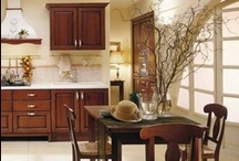GOLEA - Traditional design / Golea - precise bold lines, an image of timeless beauty and durability, a true sense of harmony and togetherness that is the essence of a traditional Italian kitchen.