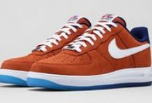 Air Force 1 / Created in 1982 by disegner Bruce Kilgore. First basketball shoe to use Nike Air technology.