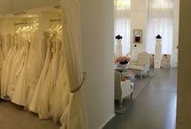 LaMariee eskuvoi ruhaszalon / Magyarország legexkluzívabb és legnagyobb választékú esküvői ruhaszalonja Budapest belvárosában! Tekintse meg prémium kategóriás Pronovias és Rosa Clará esküvői ruha kínálatunkat! A La Mariée Budapest esküvői ruhaszalon a PRONOVIAS kollekció kizárólagos Premium Dealer-e!