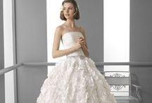 2013 Rosa Clara - Almanovia collection / A La Mariée Budapest szalon mesés Rosa Clará kínálatában gyönyörű Almanovia esküvői ruhák kölcsönözhetőek és vásárolhatóak elérhető áron! Exkluzív esküvői ruhaszalon Budapest belvárosában óriási esküvői ruha választékkal!