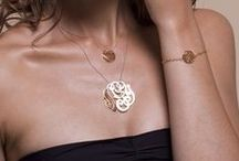 Delicate GOLD JEWELRY / Inspirations on how to wear delicate gold pieces