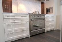 Ascot by STEEL - Made in Italy / STEEL = Stile in Cucina  Ascot Freestanding Ovens & Cookers & Rangehoods by Steel are also the manufacturer of Genesi  & Primo Cookers & Appliances.   Ascot stoves by Steel come from a family company est. 1922 and has build commercial quality cooking systems for almost a century. Commercial stoves are made structurally stronger than domestic units as they have to withstand the rigors of the modern restaurant environment. When used in a domestic kitchen this significantly extends life expectancy.