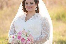 plus size bride / Ukázka šatů pro plus size nevěsty. I plnější křivky vypadají ve svatebních šatech úchvatně.