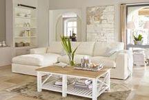 Wohnen in Weiß / Einrichtung, die sich der Farbe weiß gewidmet hat und eine Spur Shabby Chic versprüht / White Interior/Scandinavian/ Long Island/ Skandinavisch/Interior/Einrichtung